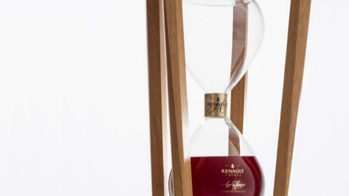 J.A. Renault unveils Hourglass Age du Temps in Cognac.