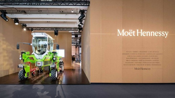 Moët Hennessy unveils its commitment to preserving the environment at the first Paris Vinexpo trade show